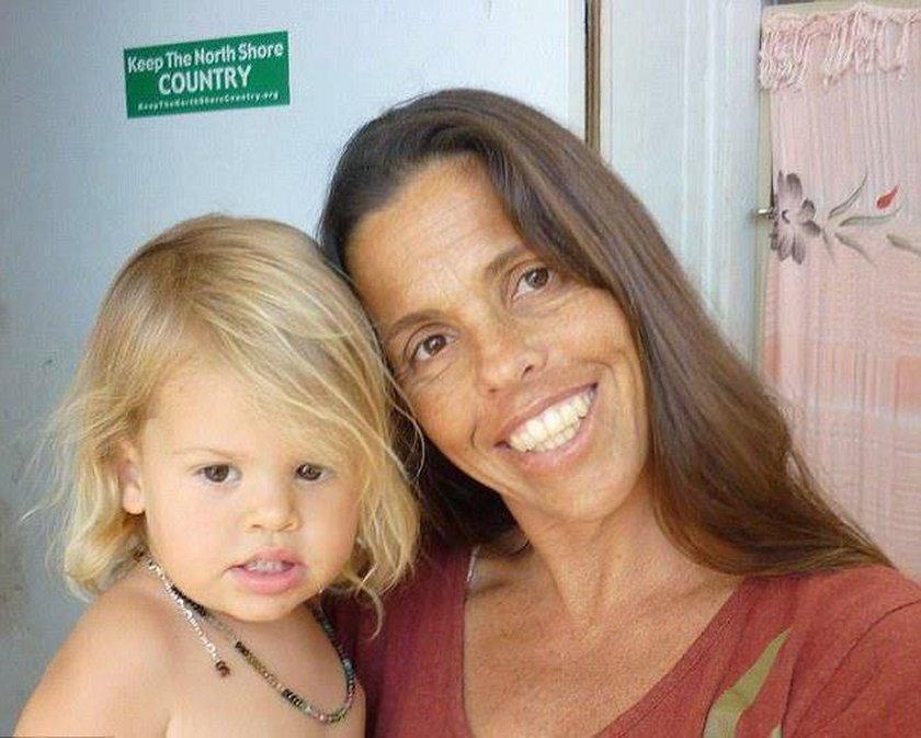 Maskara w domku letniskowym. 8-latka widziała jak mordują jej matkę?