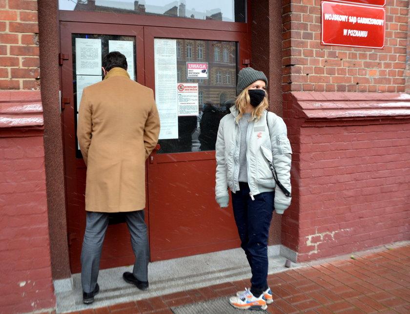 Poznań: wicedyrektorka miejskiej galerii obrzuciła jajkami kościół