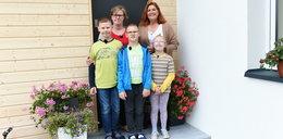 Samotna matka z trójką dzieci zatruła się tlenkiem węgla. Cudem ich uratowano. Tak wyglądał ich dom