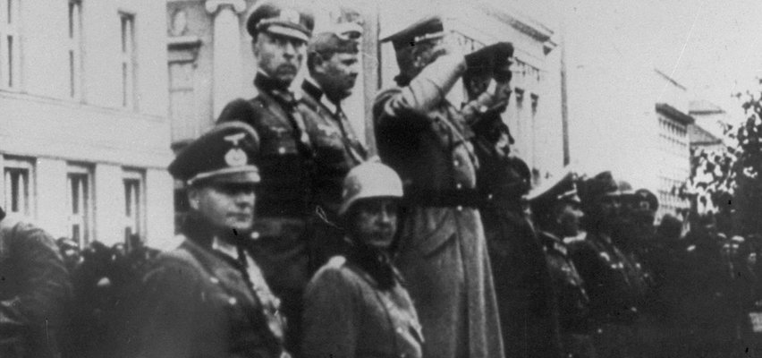 Trzecia Rzesza i ZSRR wspólnie świętowały pokonanie Polski. Stolica nadal walczyła, a oni urządzili sobie paradę zwycięstwa