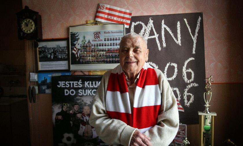 Jego mieszkanie to żywa historia Cracovii