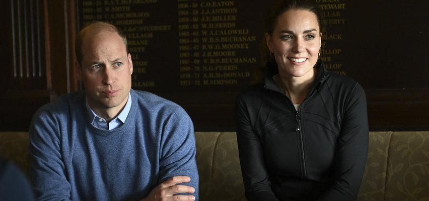 Kate publicznie odepchnęła Williama i siedzieli przy osobnych stolikach? Media donoszą o kryzysie w ich związku