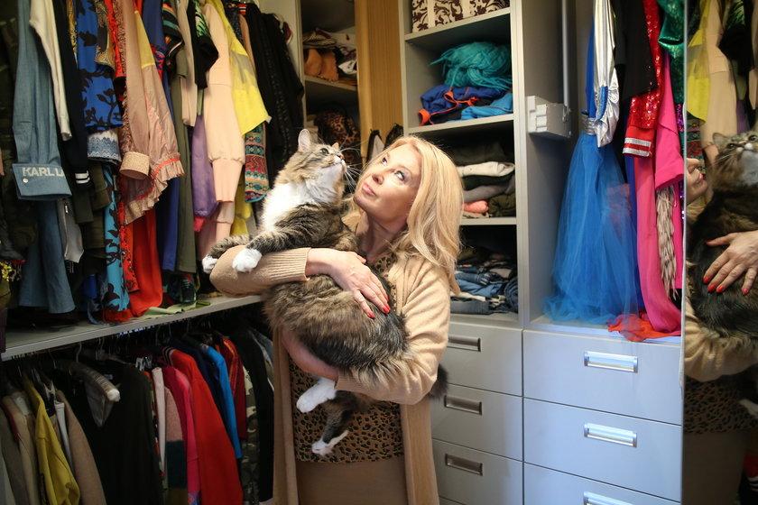 Majka Jeżowska z kotem Xabim