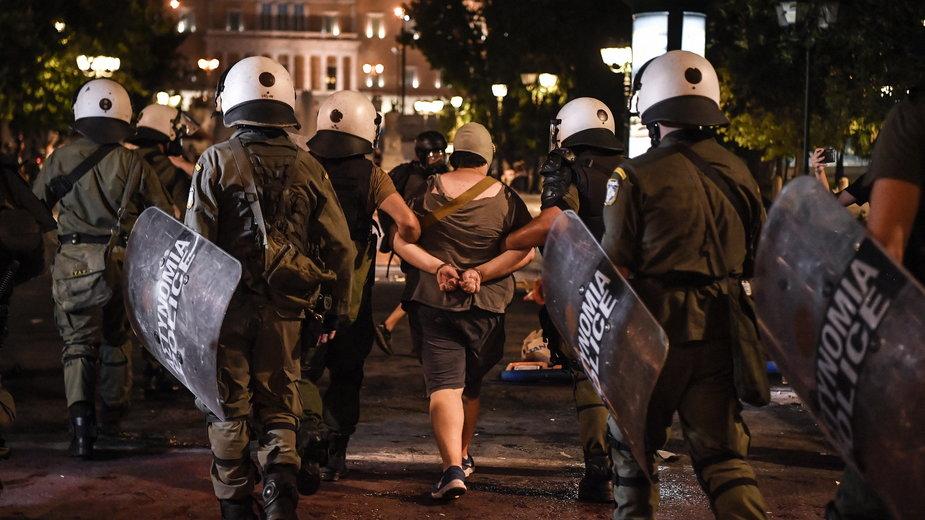 Protesty przeciwko szczepieniom w Grecji