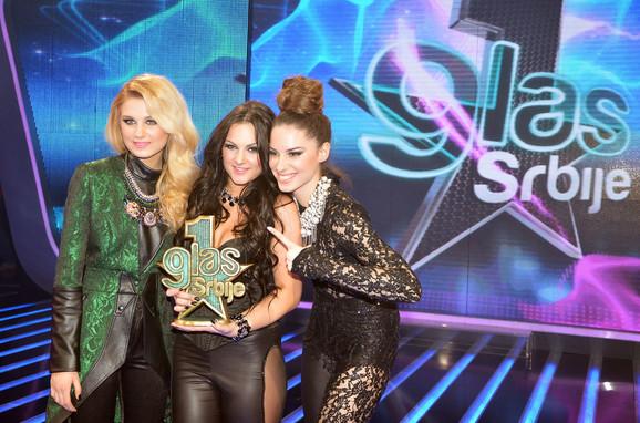 Superfinalistkinje:Nevena, Mirna i Sara
