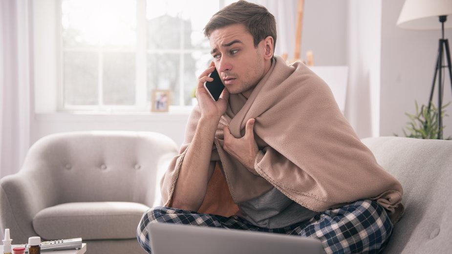 W przypadku choroby nie musimy wykorzystywać urlopu wypoczynkowego, wystarczy wziąć zwolnienie lekarskie