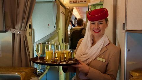 Przewoźnik ze Zjednoczonych Emiratów Arabskich jest największym użytkownikiem Airbusów A380 – obecnie posiada ich ponad 100, a ostatnio podpisał umowę z Airbusem na dostawę kolejnych 36 takich samolotów.