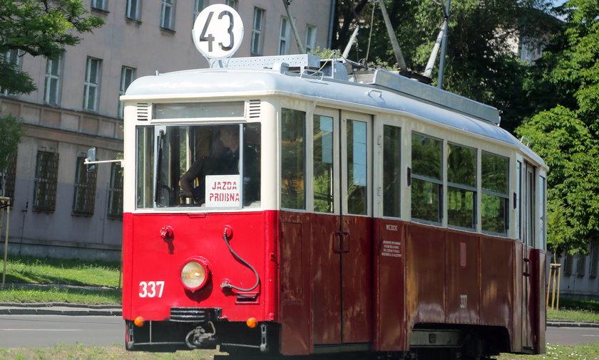 Zabytkowy tramwaj.