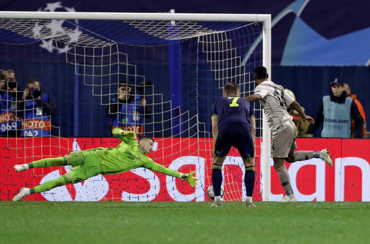 FK Dinamo Zagreb, FK Atalanta