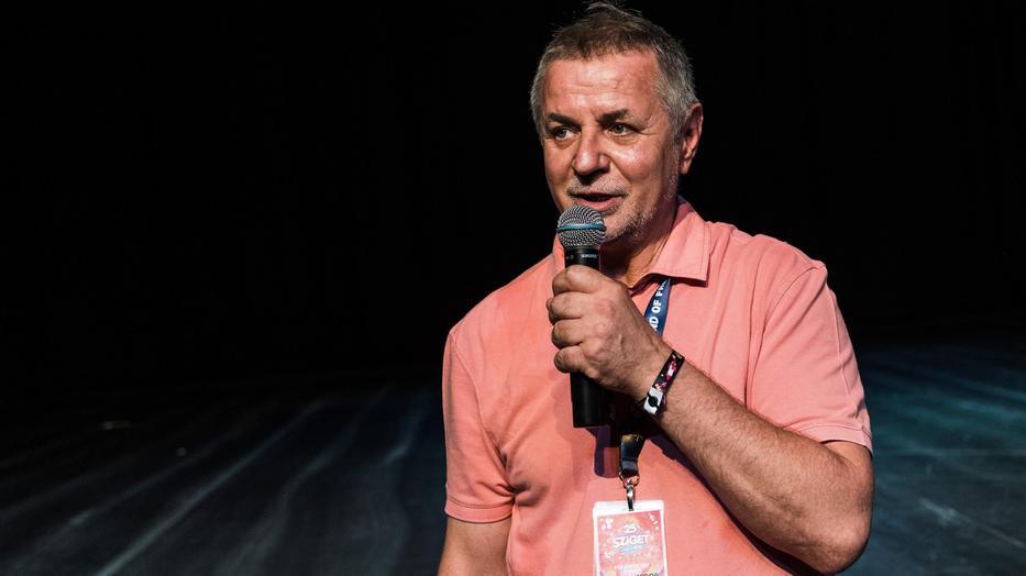 A nyitóképen: Kardos József, már a Sziget fesztivál programigazgatójaként, 2017-ben. /  Fotó: MTI: Mónus Márton