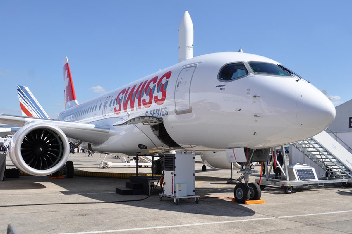 Bombardier CS100 w barwach Swiss