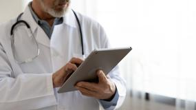 Wydanie zaświadczenia bez badania pacjenta może lekarza pozbawić uprawnień