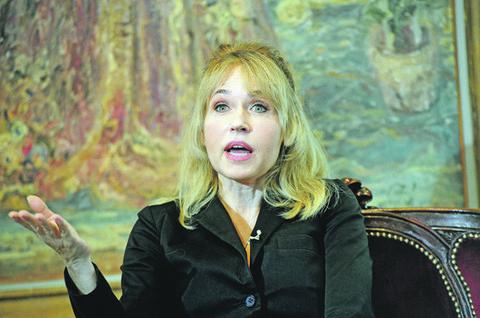 Muž Anice Dobre se ne pojavljuje u javnosti: Glumica sa biznismenom ima ćerku koja je pošla njenim  stopama, pogledajte kako on izgleda! FOTO