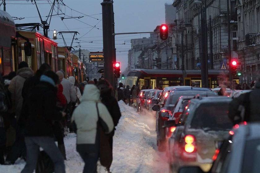 Zima znowu daje w kość. Wiele domów bez prądu