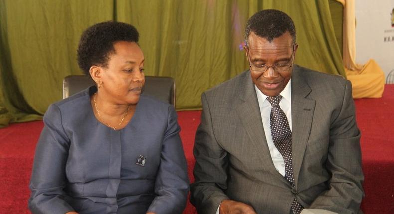 Chief Justice David Maraga with DCJ Philomena Mwilu (Twitter)