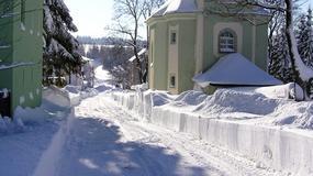 Jedziesz samochodem do Czech? Pamiętaj o oponach zimowych!
