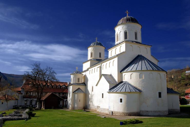 386202_manastir-milesevo02rasfoto-shutterstock