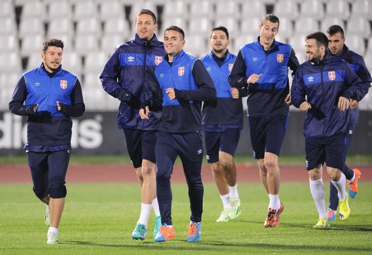 693055_fudbal-reprezentacija-trening131114ras-foto-aleksandar-dimitrijevic--11preview