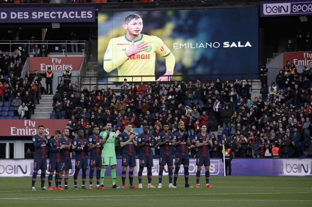 Ceo fudbalski svet se oprostio od Sale