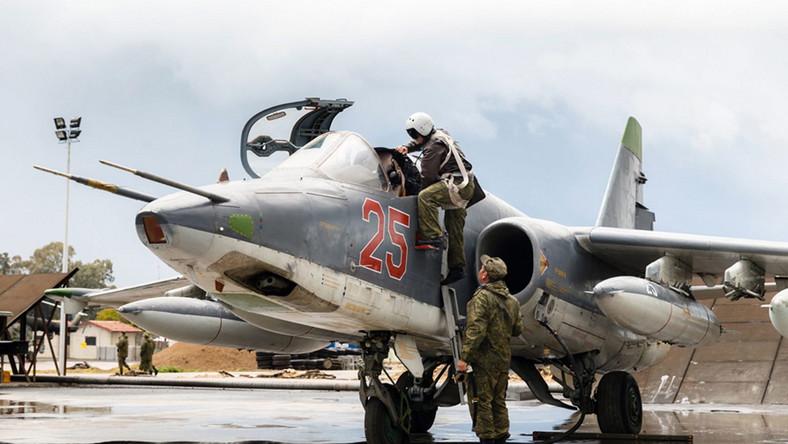 Rosyjskie Su-24 odlatują z Syrii