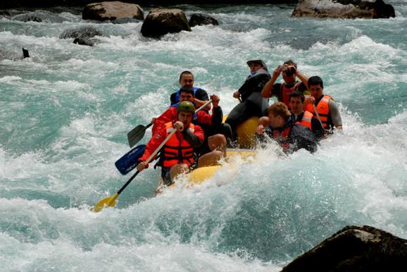 Zgoda: Rafting u kanjonu Tare