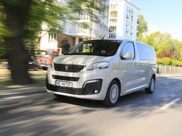 Peugeot Traveller 2.0 BlueHDI – naprawdę dobrze jeździ!