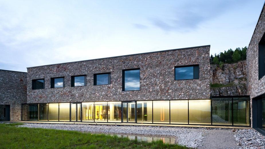 Europejskie Centrum Edukacji Geologicznej w Chęcinach od WXCA