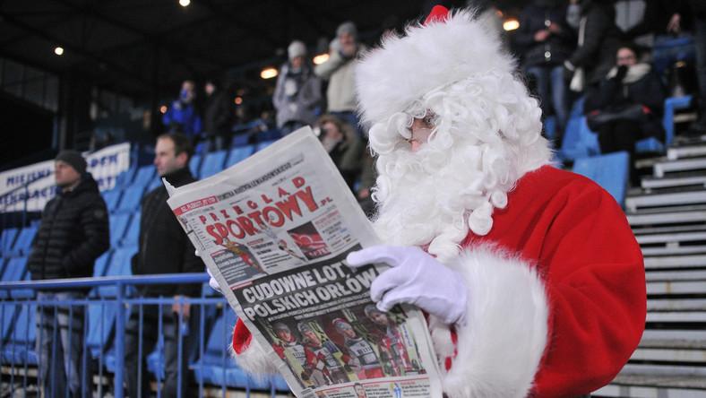 """""""Przegląd Sportowy"""" czyta nawet... święty Mikołaj"""