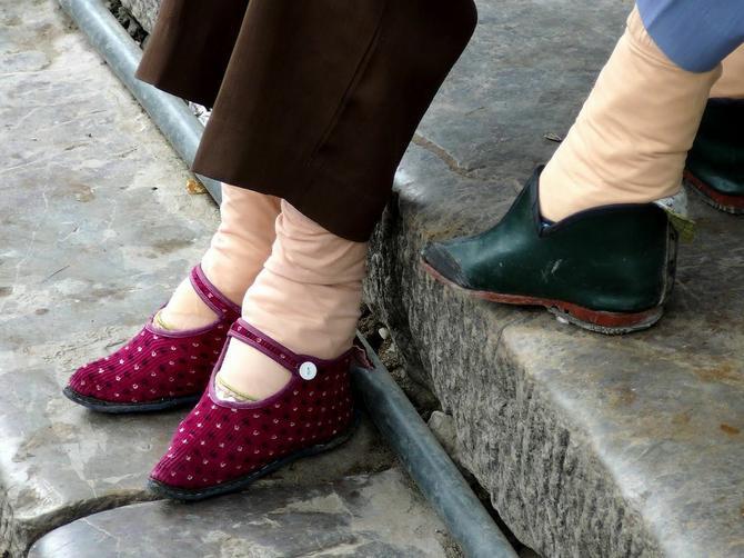 Žene iz Kine imaju najmanja stopala na svetu, a OVO je cena