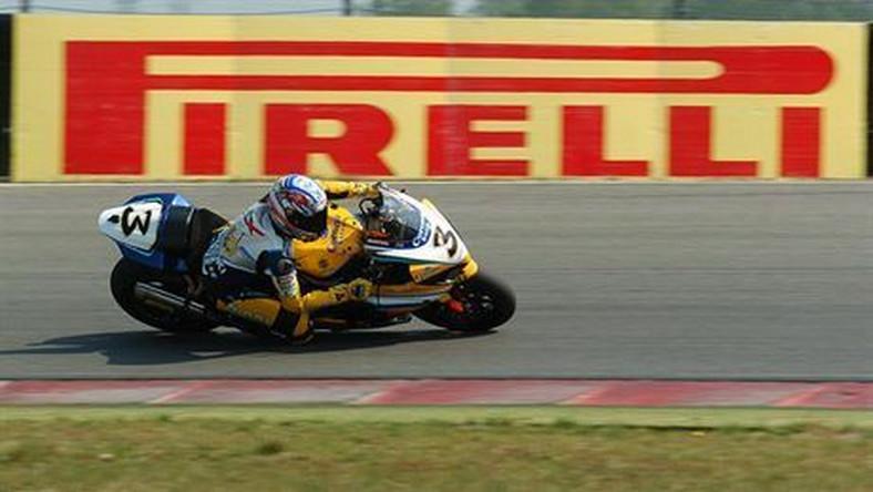 Max Biaggi on the SBK 2007 Suzuki