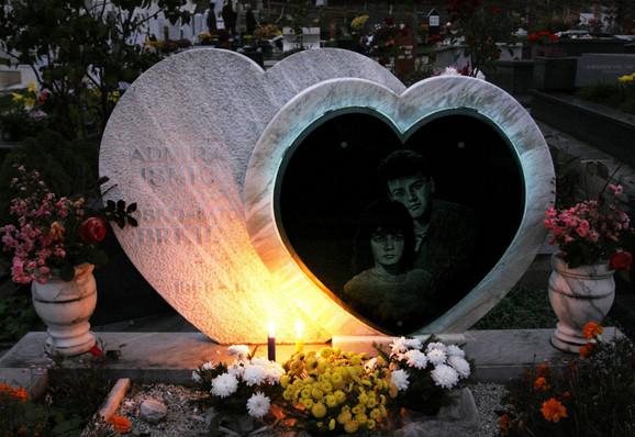 Spomenik Bošku i Admiri