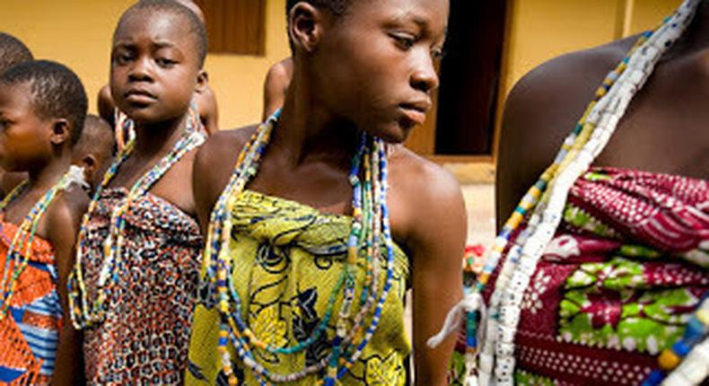 Young girls ready to undergo the rite of passage (hubafrique)