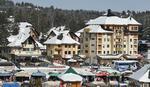 Zlatiborci potukli rekorde za praznike: Trg i hoteli krcati, dnevno se prodavali PO 2.000 PICA I 500 LITARA KUVANOG VINA