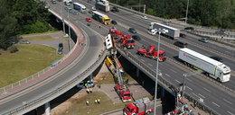 Kierowca autobusu, który spadł z wiaduktu usłyszał zarzuty