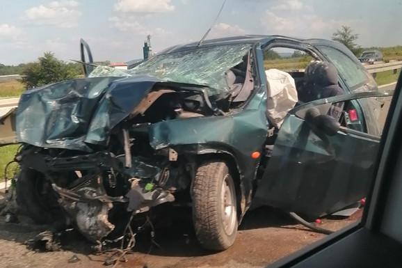 STRAVIČAN SUDAR NA AUTO-PUTU Poginulo DETE, povređene dve osobe