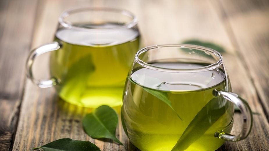 Aby herbata zachowała swoje właściwości  należy ją prawidłowo zaparzyć - Grafvision/stock.adobe.com