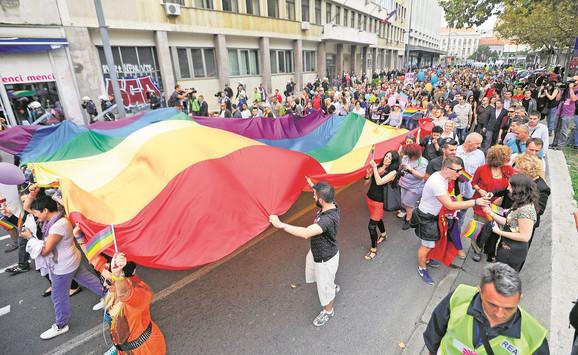 Ove godine dve Parade ponosa