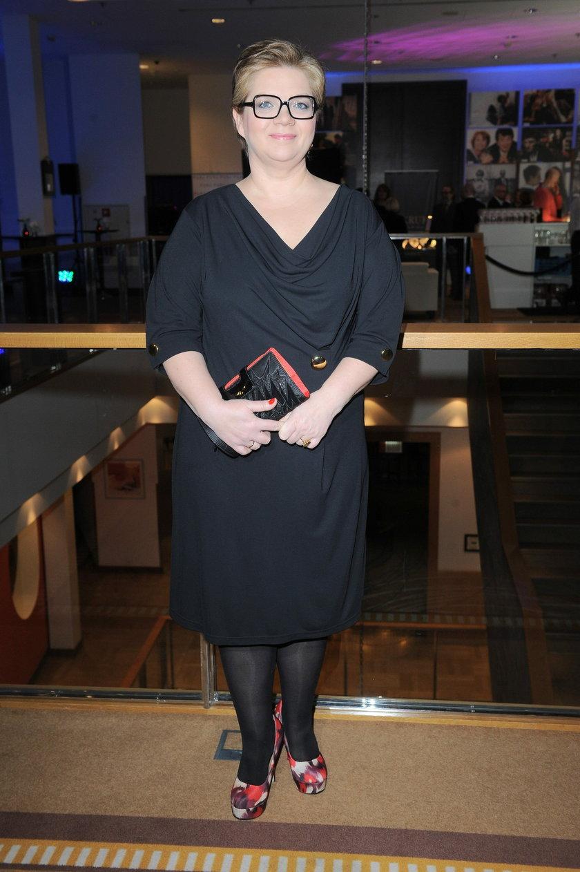 Dorota Zawadzka w czarnej sukience