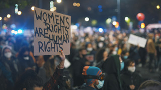 Kobieta musi mieć prawo wyboru. PE przyjął historyczną rezolucję: Dostęp do aborcji, antykoncepcji i edukacji seksualnej