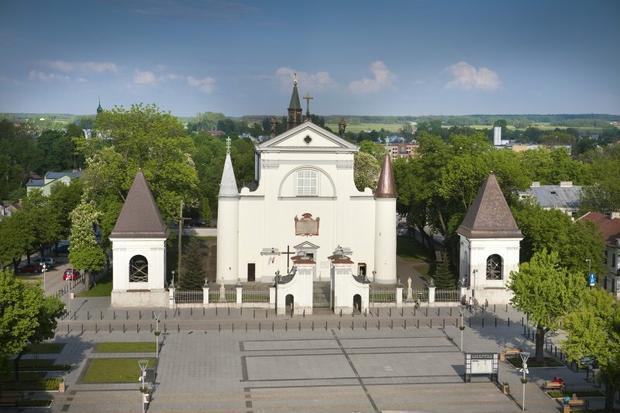 Węgrów, kościół Wniebowzięcia Najświętszej Marii Panny oraz świętych: Piotra, Pawła, Andrzeja i Katarzyny