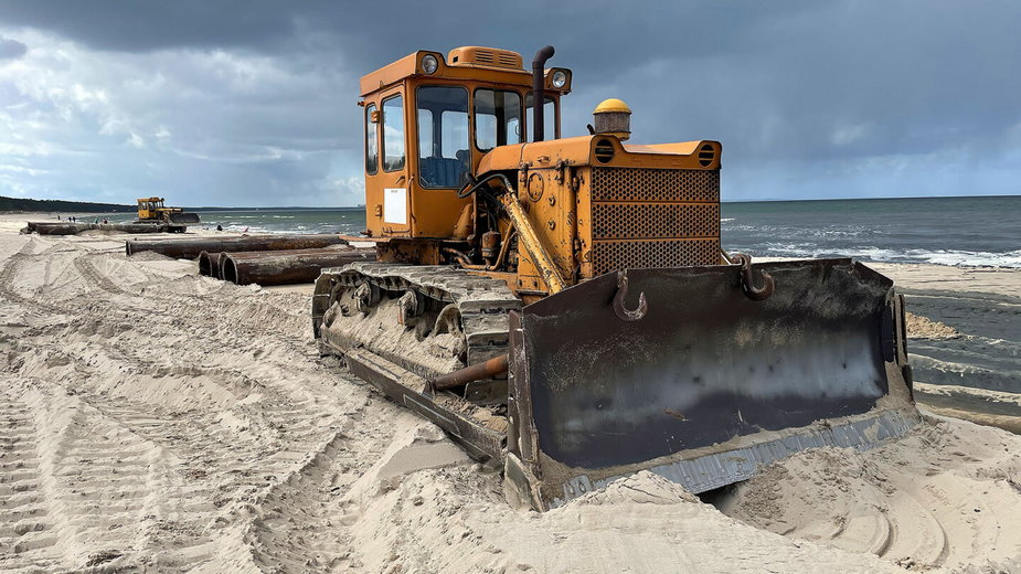 Popularny kurort poszerza plażę. Przygotowuje się na przyjazd letników