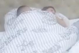 UHVAĆENI NA DELU Stanija Dobrojević i Vladimir Tomović U AKCIJI ispod pokrivača! (VIDEO)