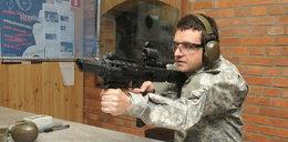 Niewidomy, a strzela z ostrej broni!