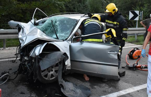 U užasnoj nesreći poginuo je devetogodišnji dečak i Miroslav Ćirić (40) čiji je sin takođe bio u vozilu