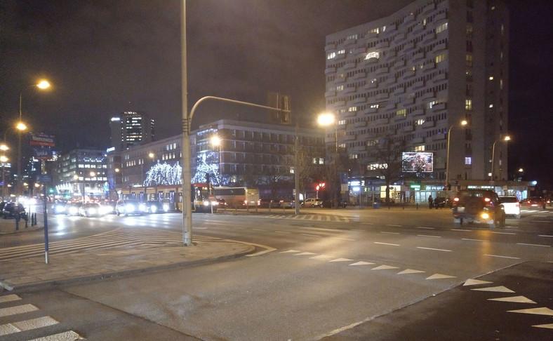 Zdjęcie nocne wykonane telefonem HTC U11 Life
