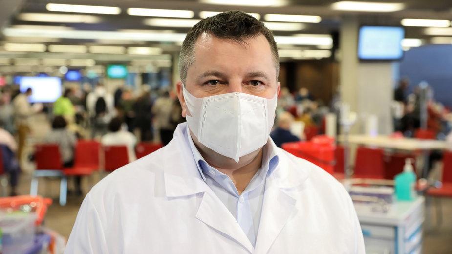 Dr Artur Zaczyński