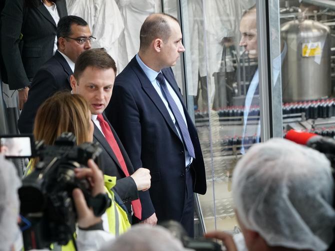 Ministar zdravlja dr Zlatibor Lončar u poseti COCA-COLA sistemu