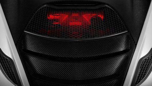 Nowy McLaren P14 - wyścig zbrojeń V8 trwa