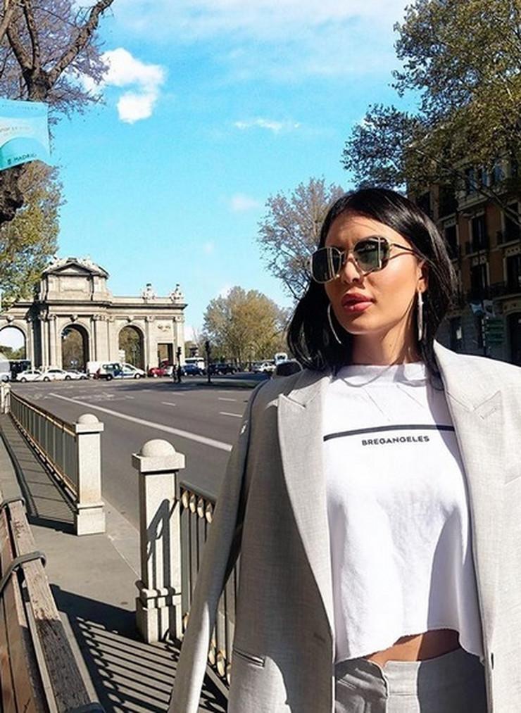 SVI SU JOJ POGLEDALI U STOMAK Anastasija Ražnatović prošetala ulicama Madrida, a zbog onoga što je obukla OKRETALI SU SE ZA NJOM