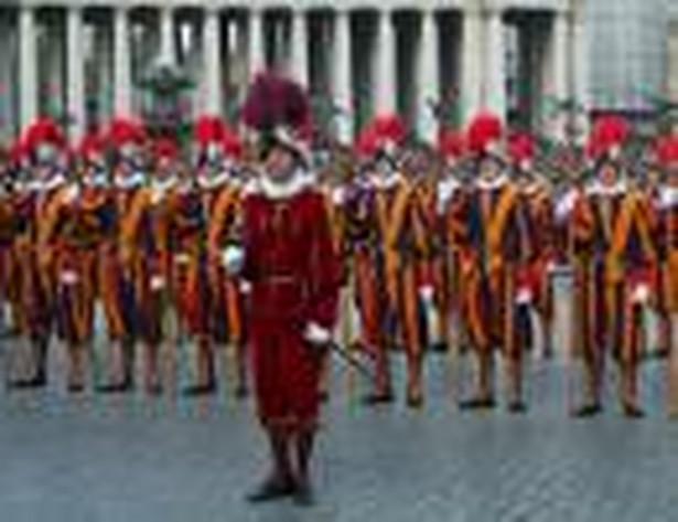 Gwardia Szwajcarska w Watykanie fot. Rostislav Glinsky / Shutterstock.com